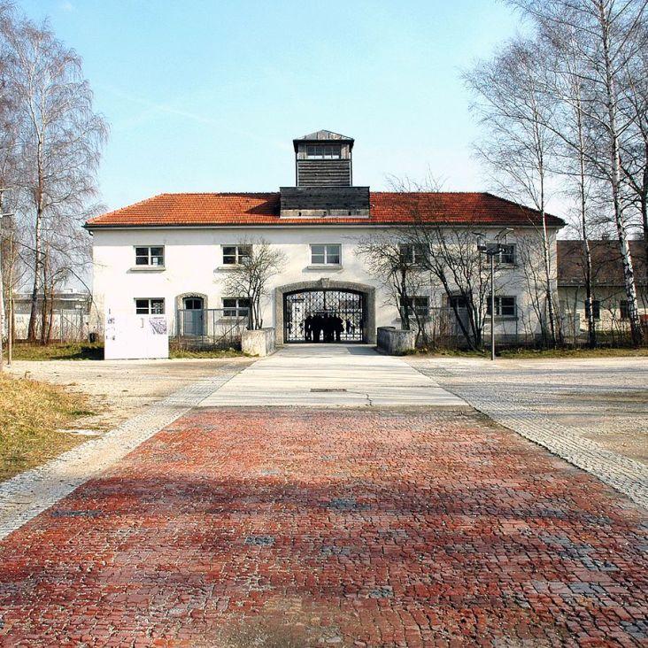 Dachau_KZ-Gedenkstätte_-_Haupttor